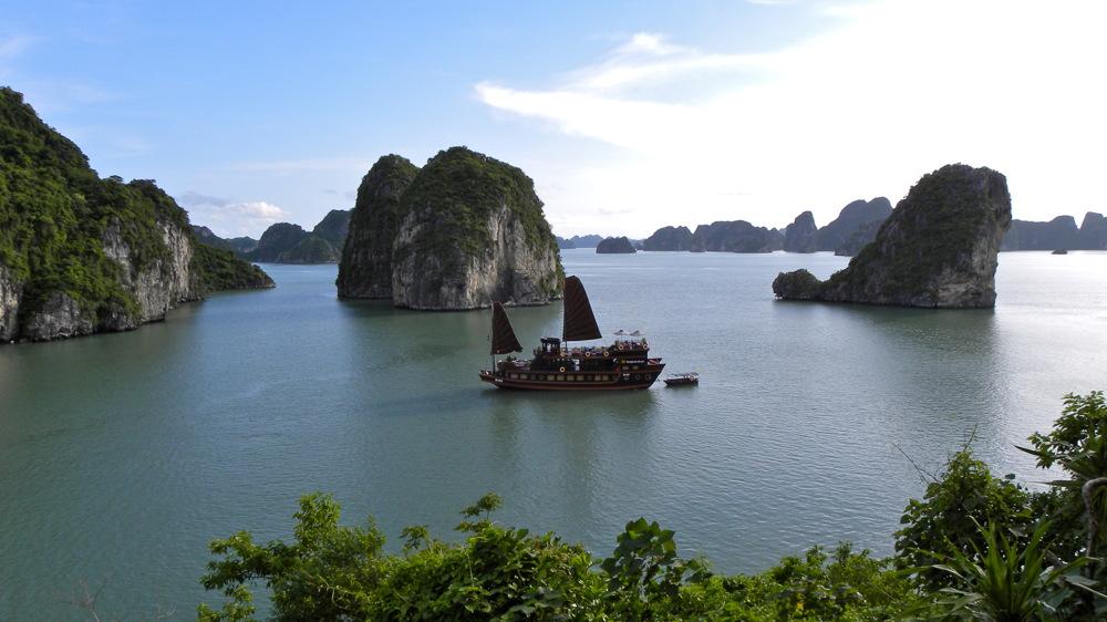 photoblog image Vietnam serie: Halong Bay, a paradise.